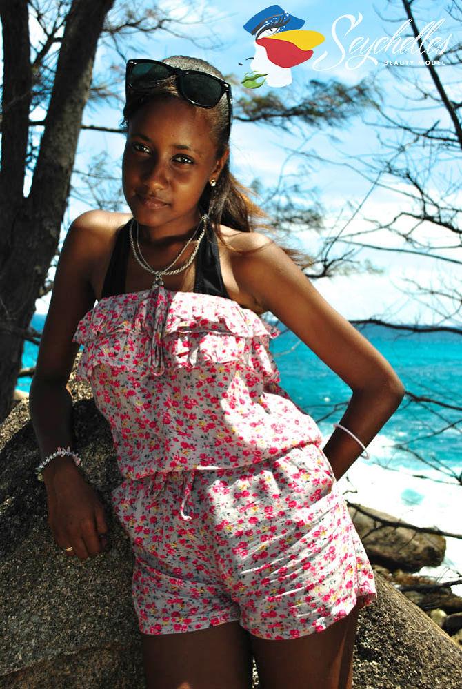Creole Beauty Stephanie Edmond  by Mau Photography