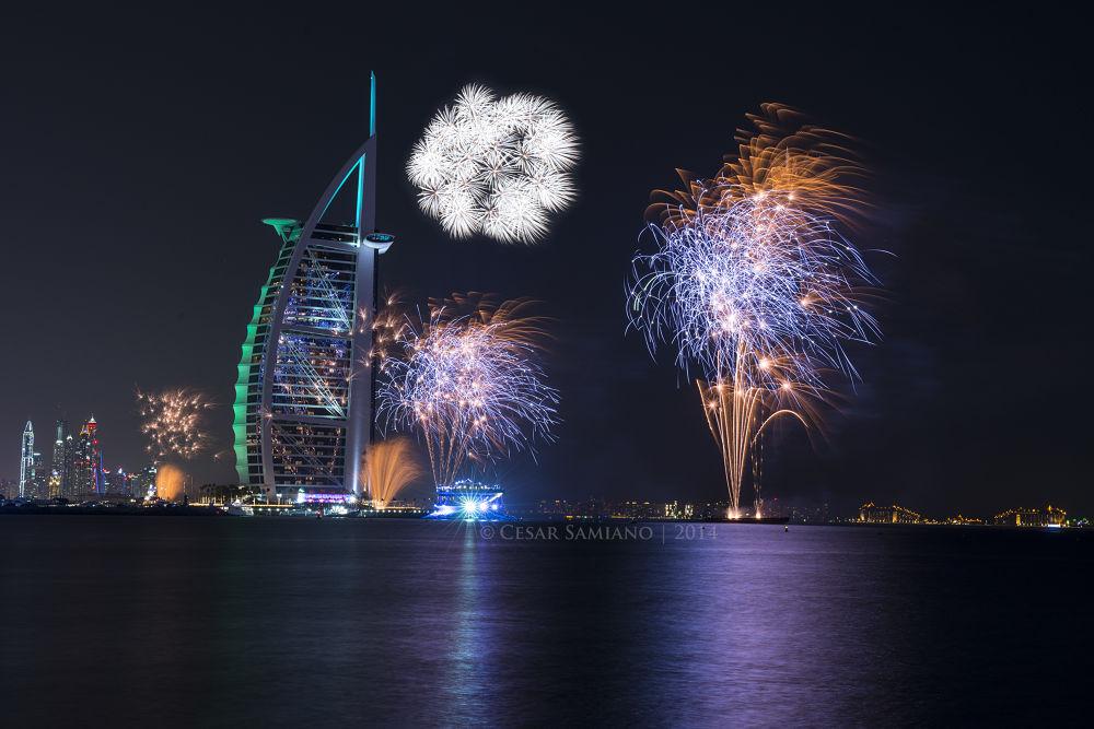 Burj Al Arab fireworks by cesarsamiano