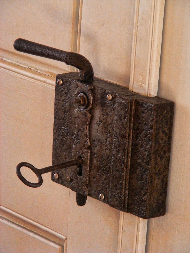 Key by andrada