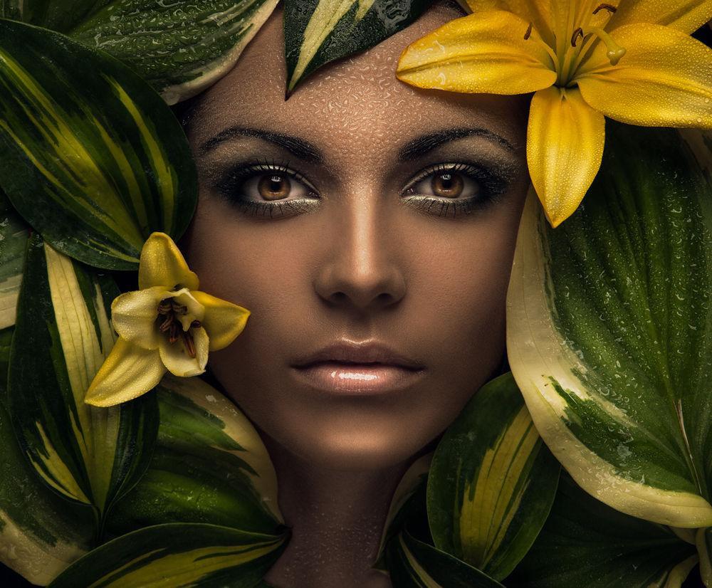 Flower by Evgeni Kolesnik