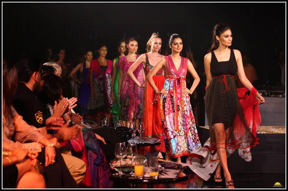 Fashion line. Photographer : Shihab  Website : www.shihabphotography.com  https://www.facebook.com/S by Shihabphotography