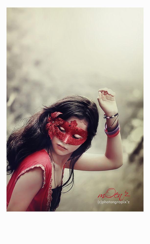 mask girl by OMUN