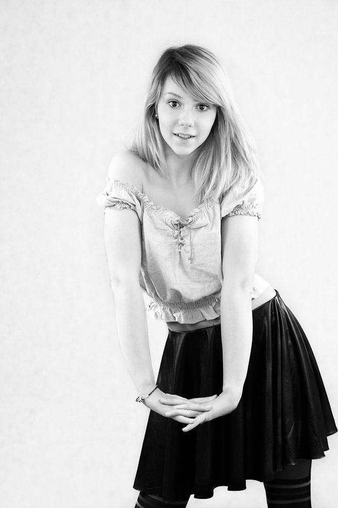 Portrait Daria :) by anahitpl
