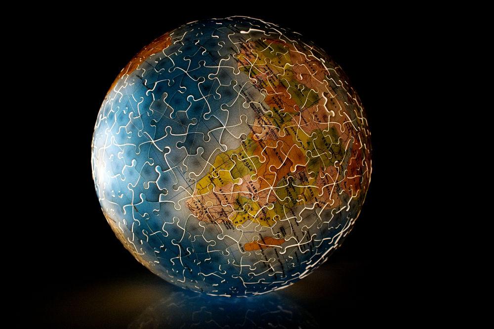 Globus by Kassiela