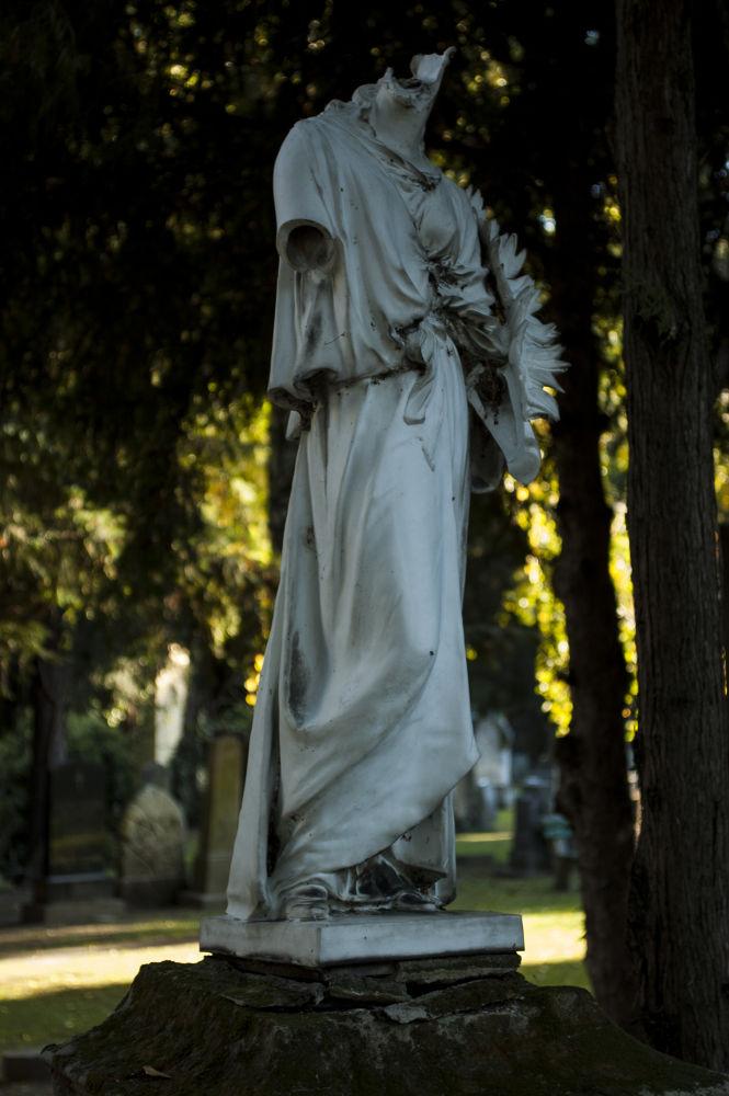 Statue by Kassiela
