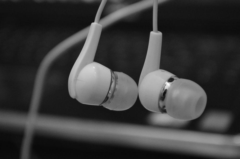 Listen to the music by Varun Jain