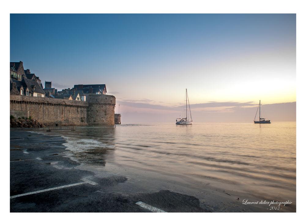 le voilier attend la marée haute  - Mont St Michel (Normandie) 19septembre 2009 by didierlaurent503