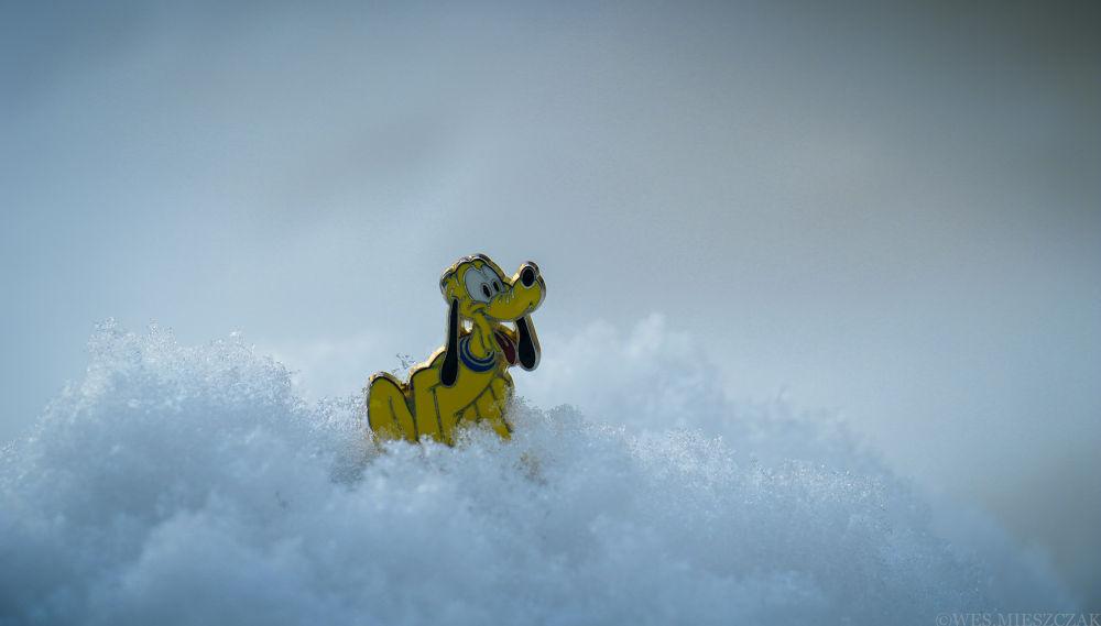 :-)Pluto like snow.:-) by Wes Mieszczak