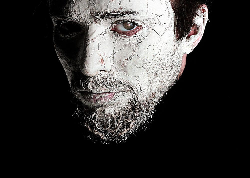 Photo in Portrait #ypa2013 #portrait #selfportrait #makeup #transgresiune #canon #light #eyes #black #white #joker #topiczer andi #2013