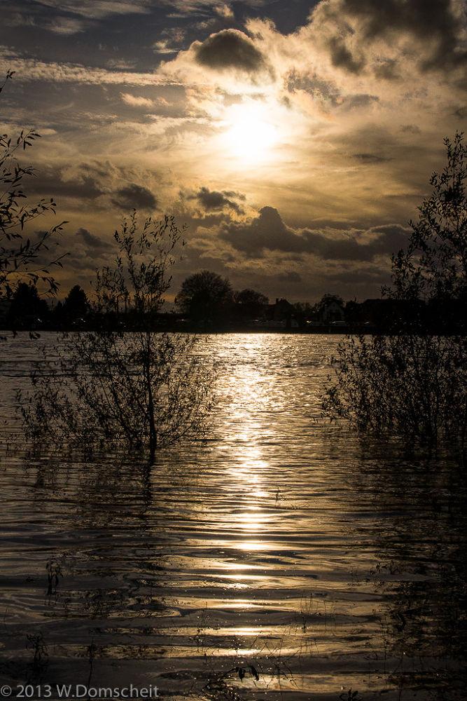Riverside by wolfdomscheit