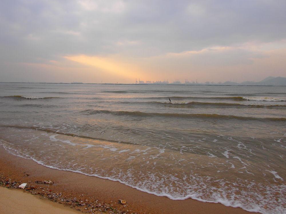 Beautiful Beach of Ha Pak Nai (2013) by Mickey Lee