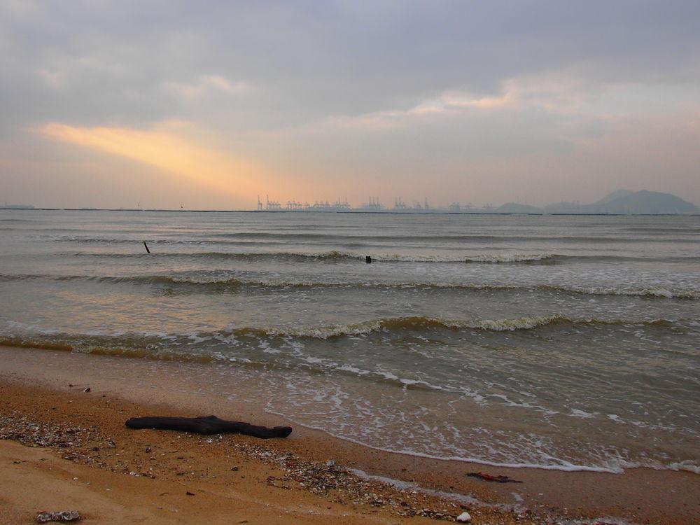 Beautiful Beach in Ha Pak Nai (2013) by Mickey Lee