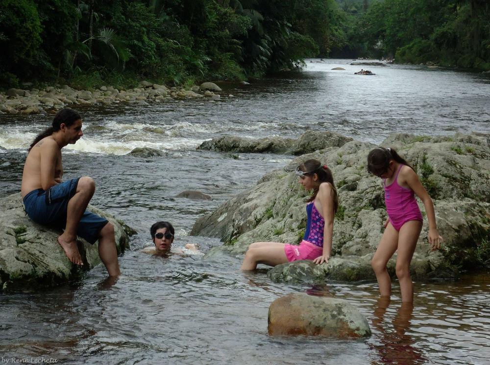 Rio Nhundiaquara. (#ypa2013) by renelecheta