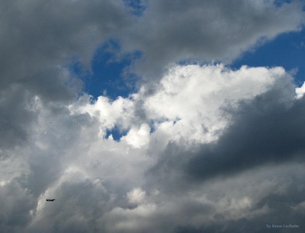 Vem chegando a tempestade. by renelecheta