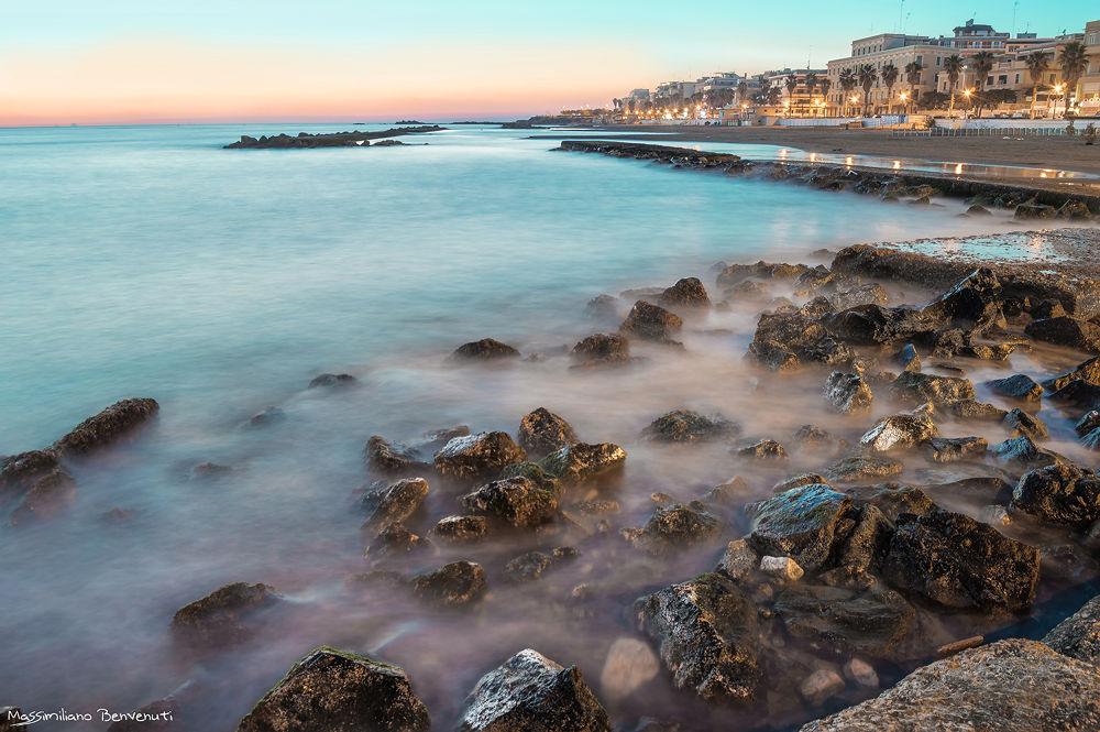 waves on the rocks by massimilianobenvenuti10