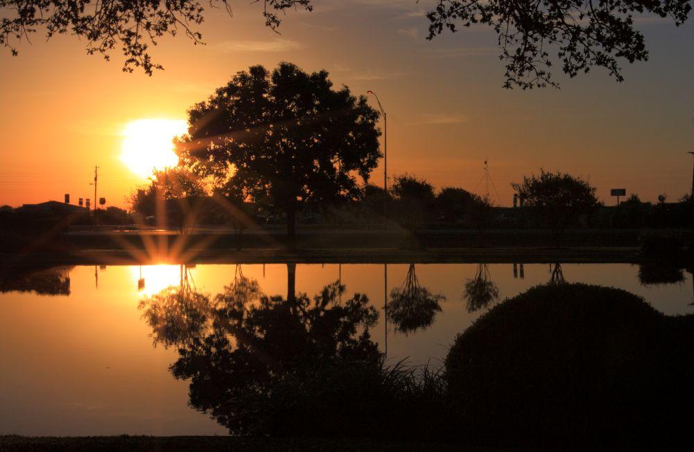 Night shift in Texas by olaf knupper