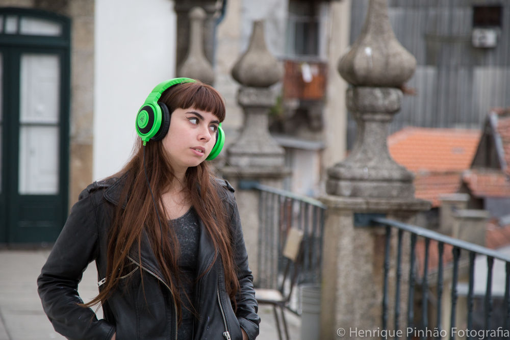 Would be a good advertising for the headphones... by Henrique Valentim Costa Pinhão