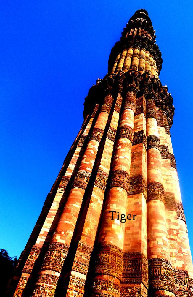 qutub minar by tigaer007
