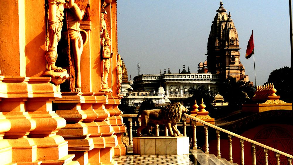 chatterpur temple  by tigaer007