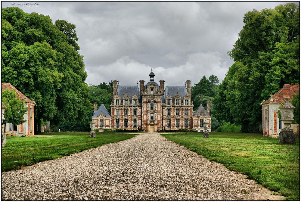 Château by mauricepancheri