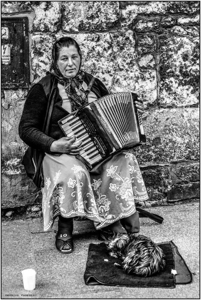 musicien dans la rue by mauricepancheri