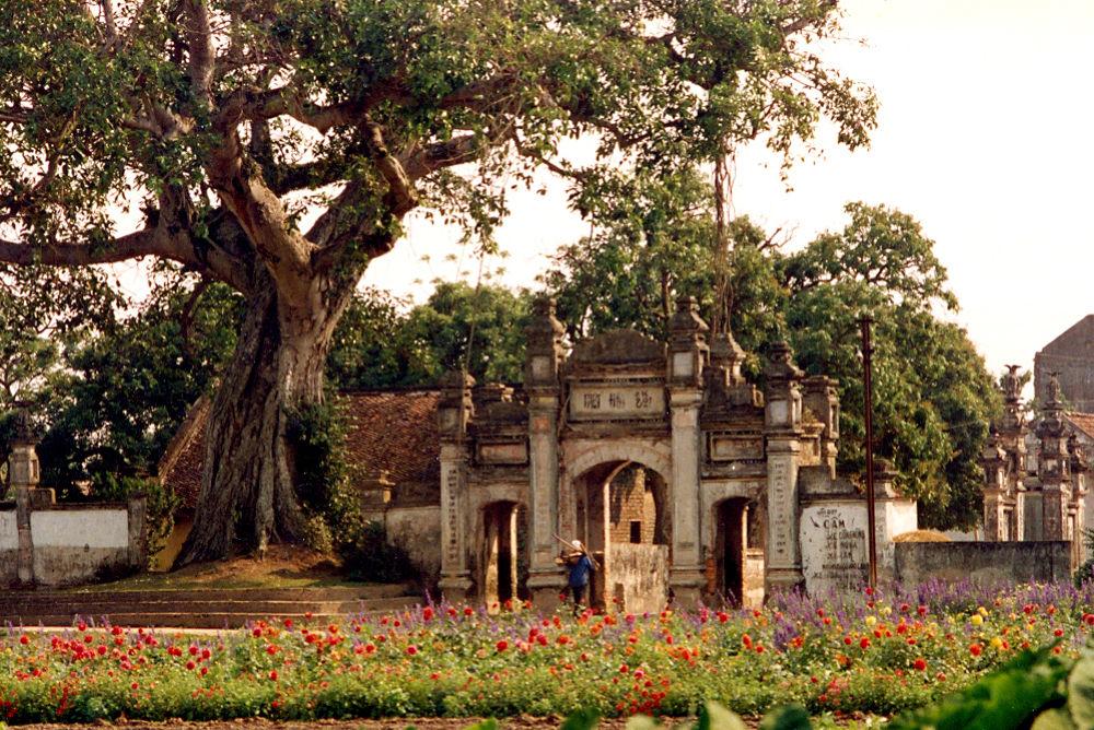 Cổng làng. by NguyenVietQuang