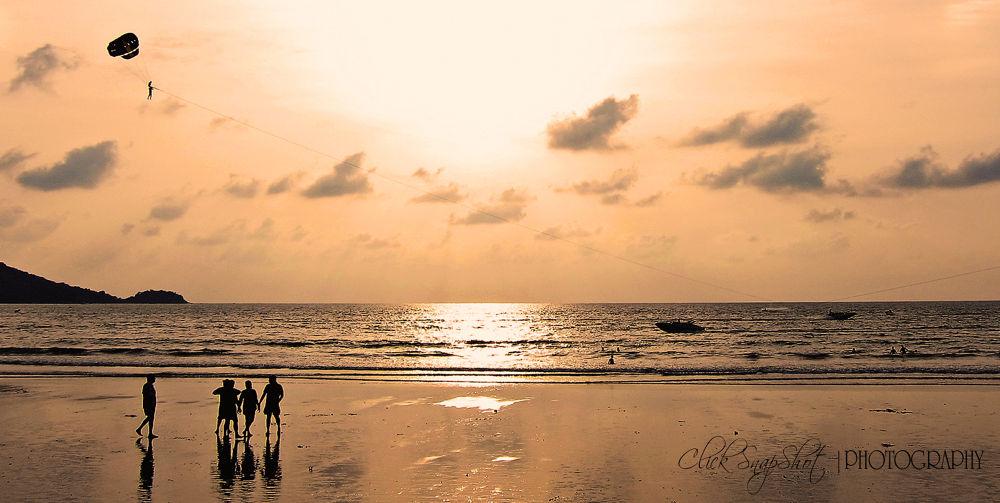 Phuket, Thailand by clicksnapshot