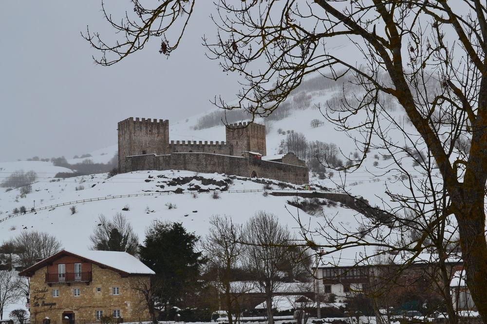 Castillo de Argueso,Cantabria (ESPAÑA) by franciscojaviermanterolasaiz
