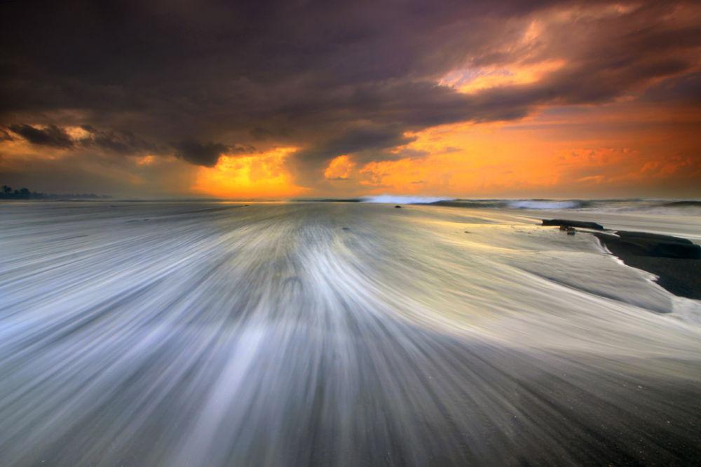 Saba's Streamline by Pandu Adnyana