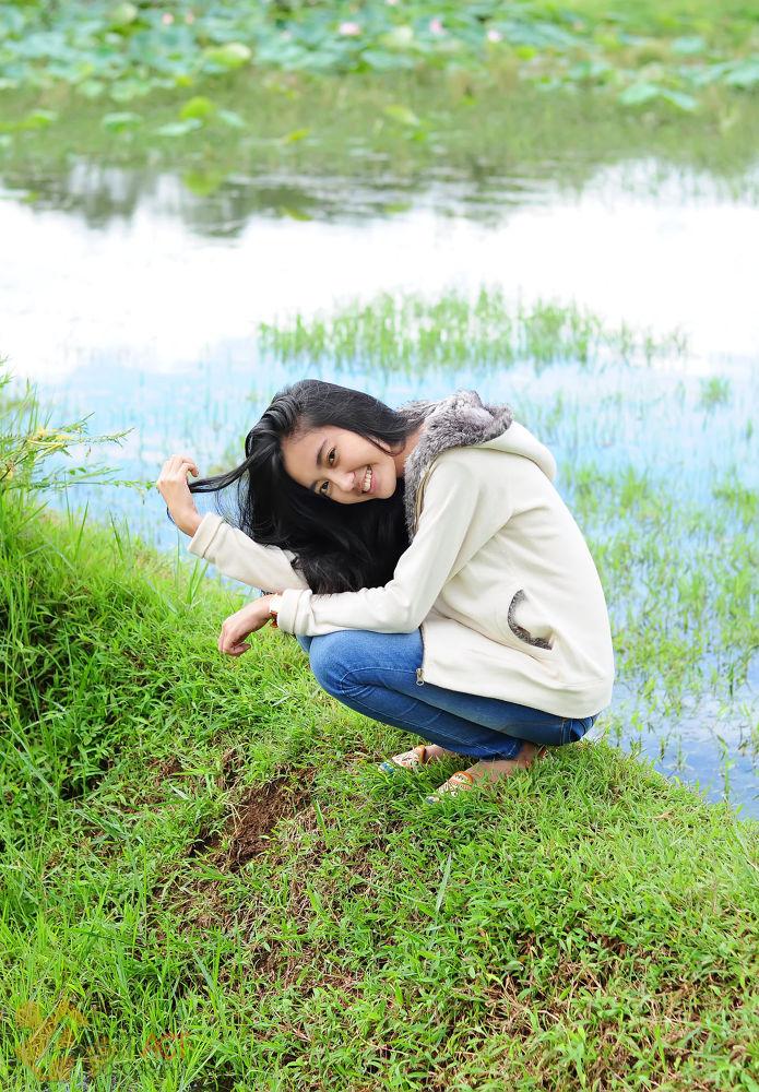 gebrina at rice field by Anggit Priyandani
