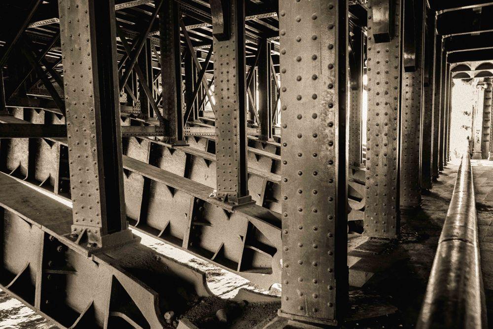 Sous le  pont -Paris- by Tostaky