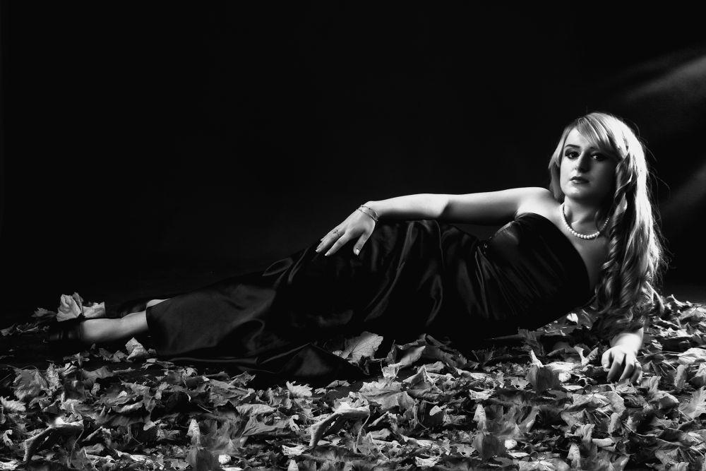 Photo in Portrait #b&w #black&white #girl #women #elegance #glamour