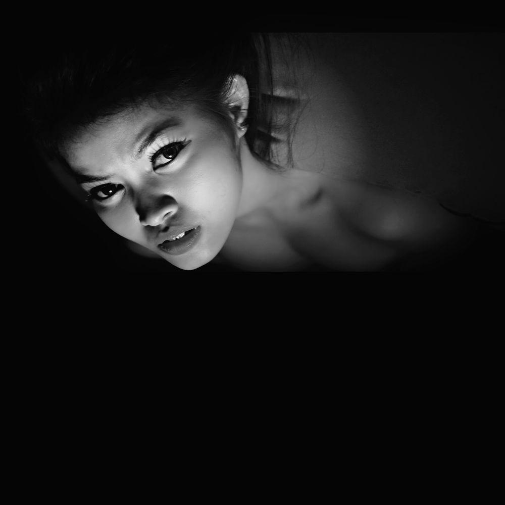 into the darkness by hidayatardiansyah