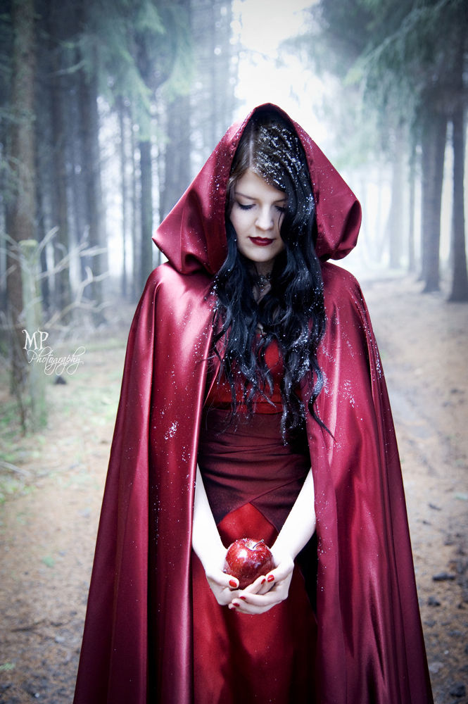 Snow White III by MiriamPeuserPhotography