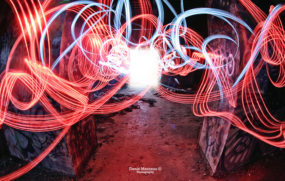 Light Graph. by Denis Manceau Photography