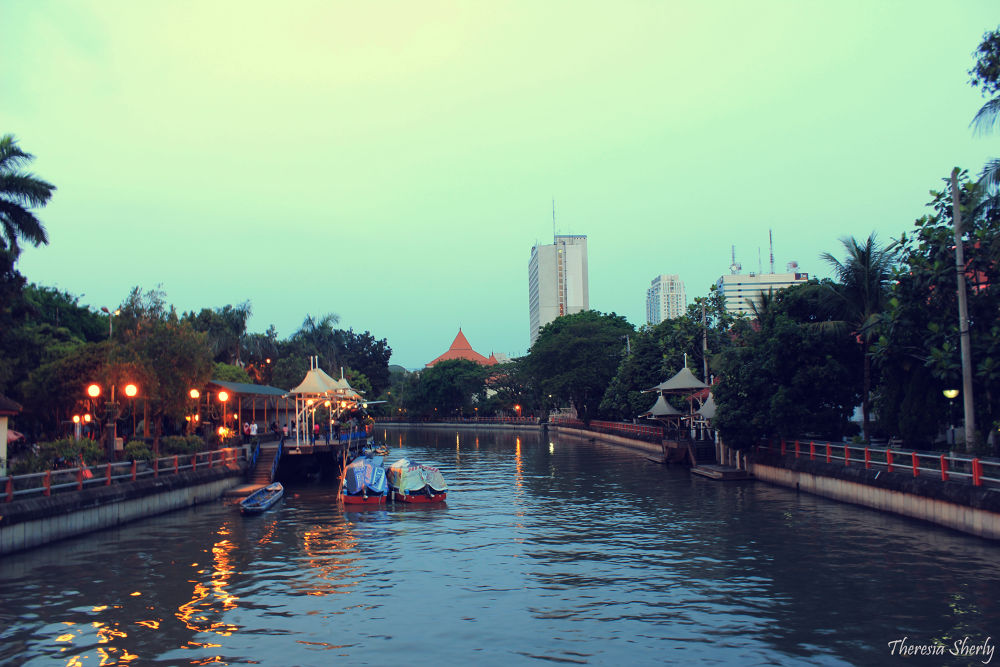 sparkling Surabaya by TheresiaSherly