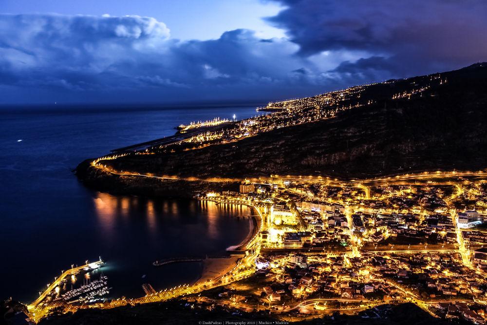 Photo in Cityscape #city #cityscape #landscape #light #nightlight #nightandlight #night #street #sky #nightfall #photography #photo #island #ilha #cidad #citta #stadt #madeira #portugal #travel #tourism #viajar #paradise #voyage #turismo #nature #places #ypa2013 #youpicfb