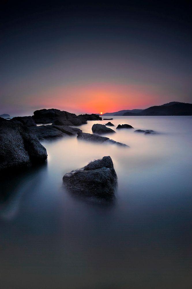 dark hour by wan ariff