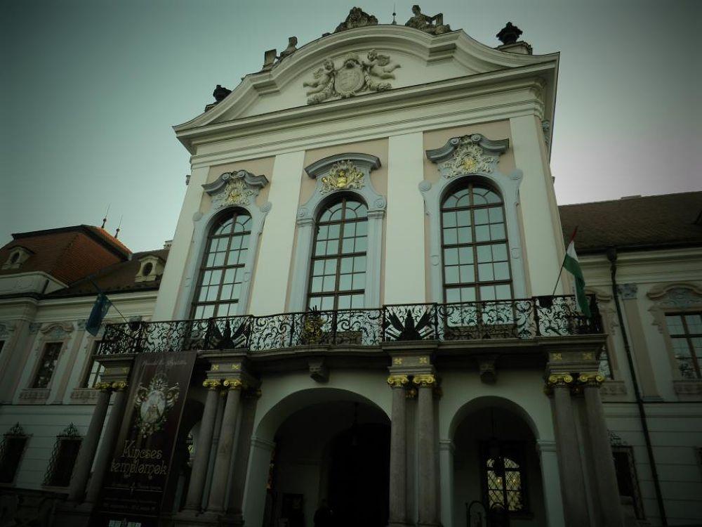 castle by jasminaspasovska