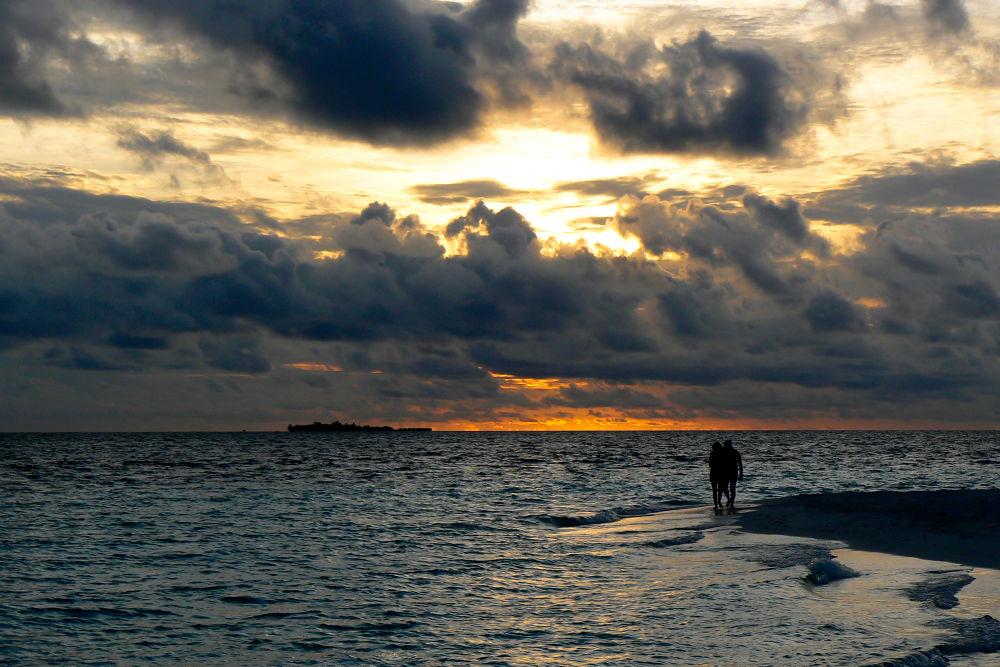 Photo in Landscape #sunset #sun #maldives #clouds