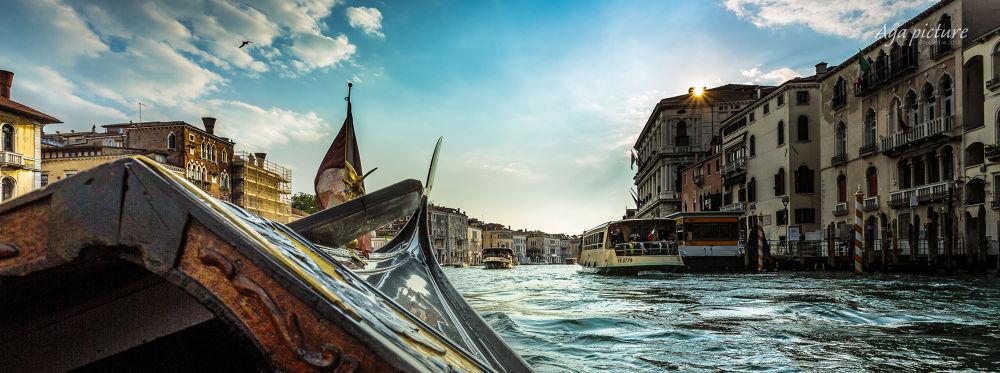 Venice Gondola by agapicture