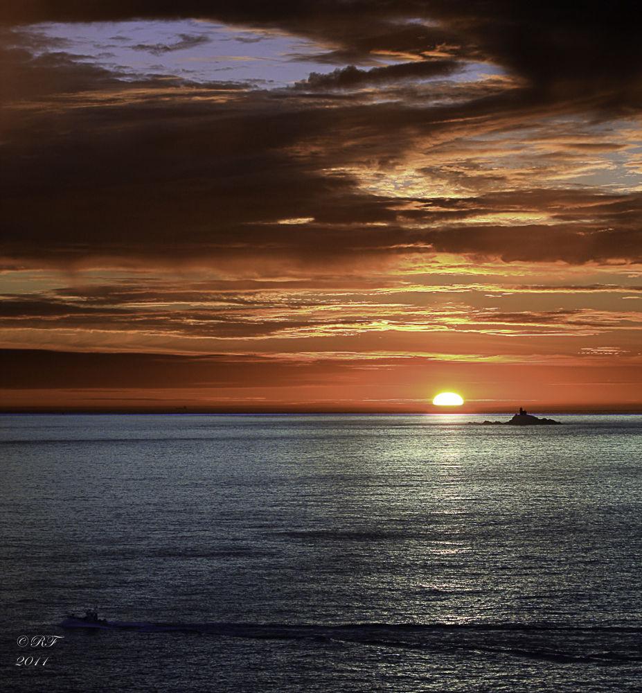 Photo in Landscape #bretagne #brittany #finistere #france #sunset #coucher de soleil #mer #sea #seascape #landscape #paysage