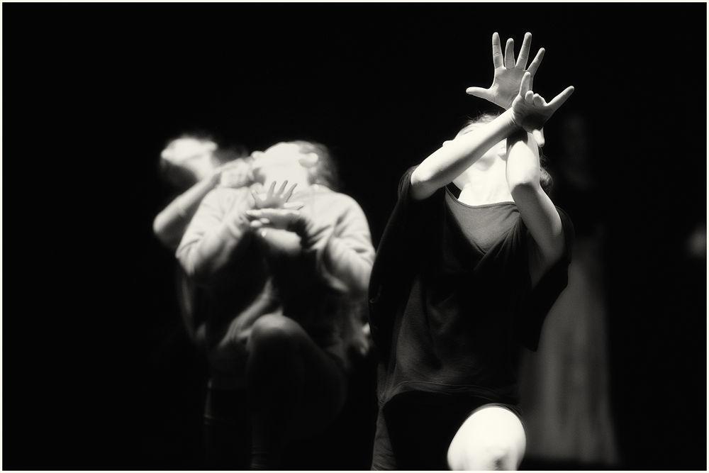 HANDS by rodriquezgabriele