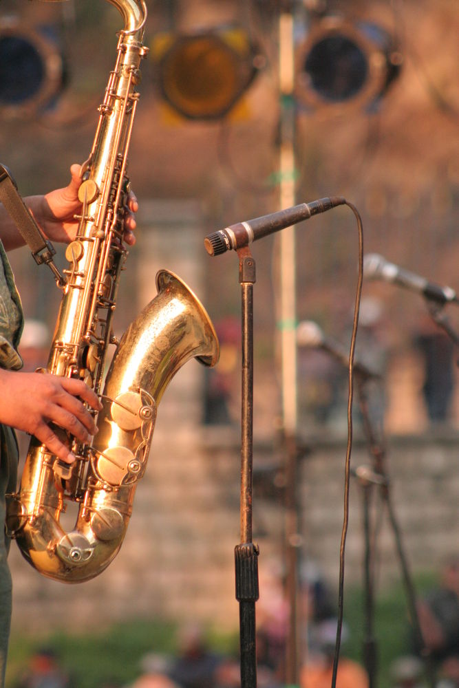 Photo in Street Photography #saxophone #jazz #madajazzcar #music #micro #gold #instrument