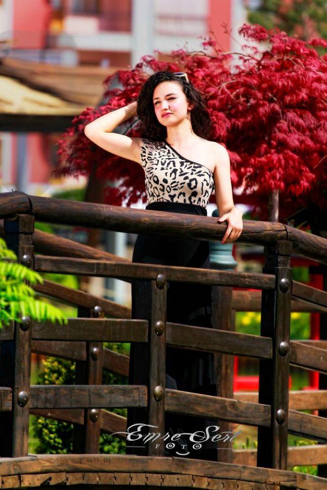 tg by foto model