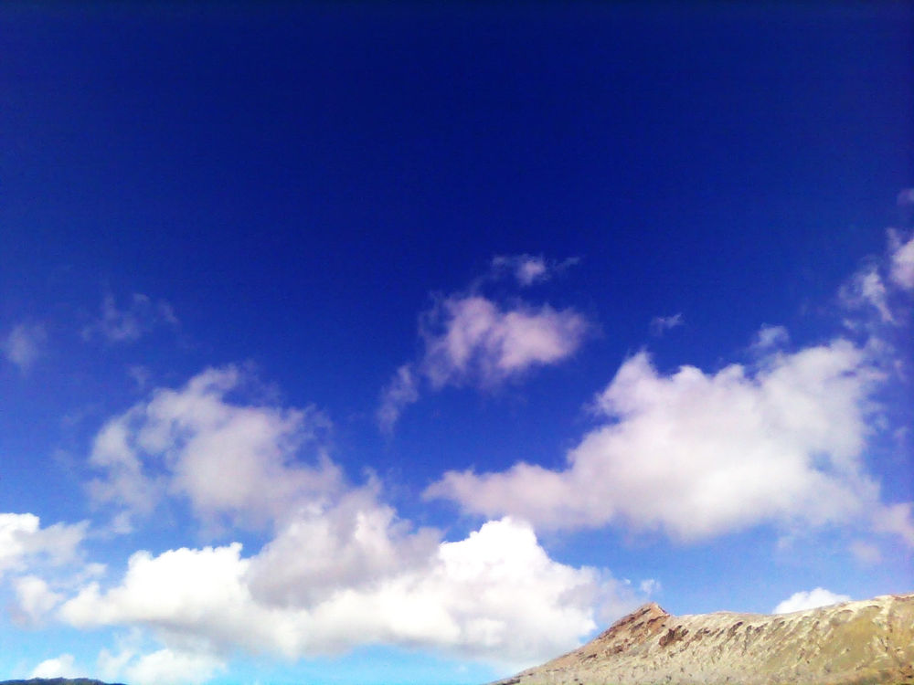 Sky of bromo mountain by wh3lly