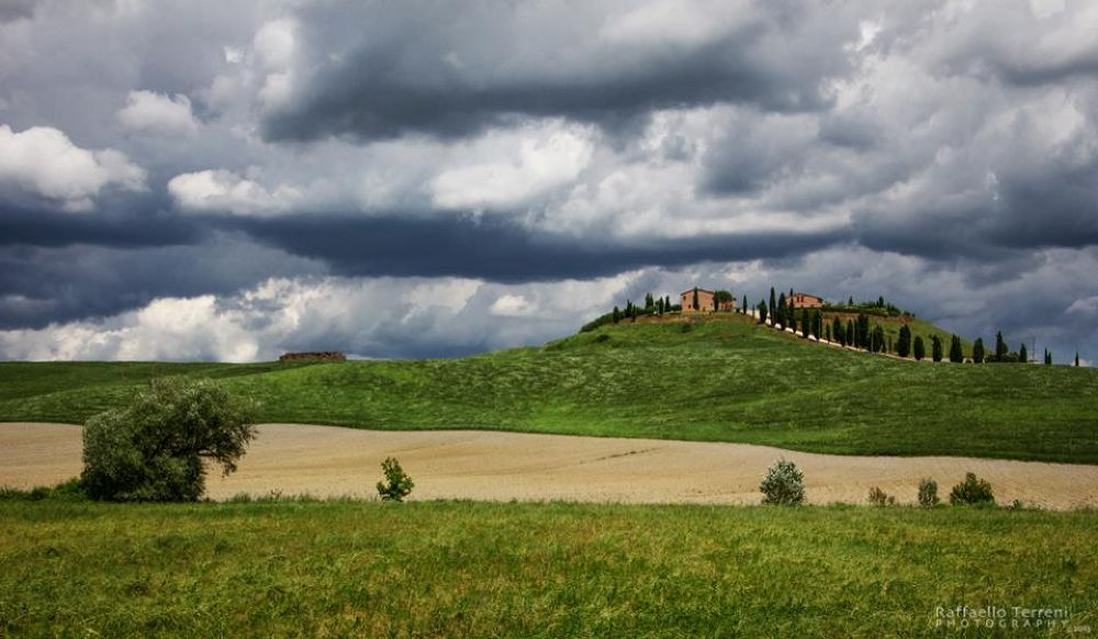 Photo in Landscape #casolare #nuvole #nubi #numbs #green #nature #rustico #homestead