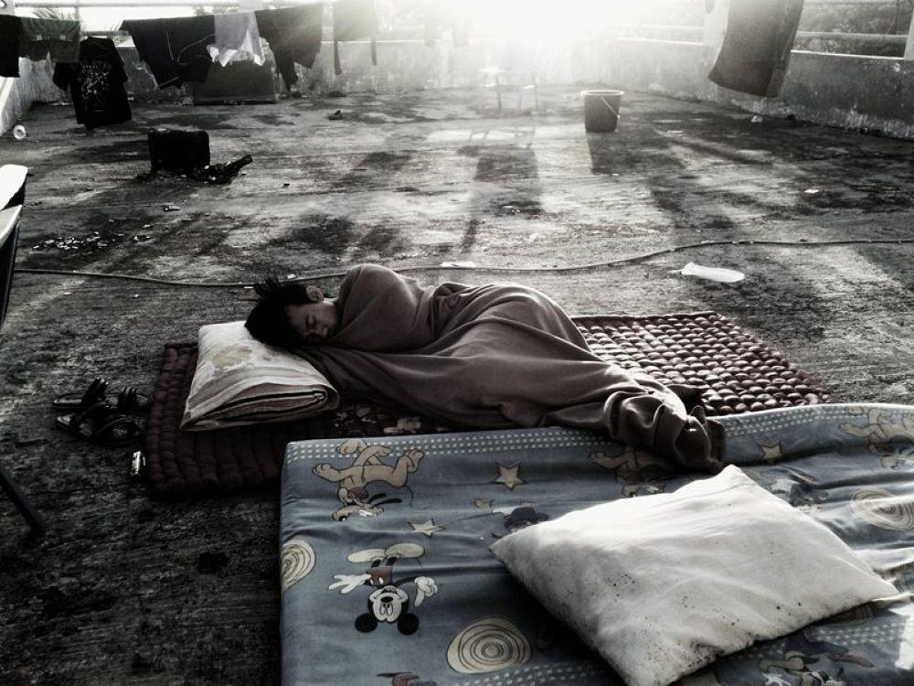 Sleep tight by Saha eta saha