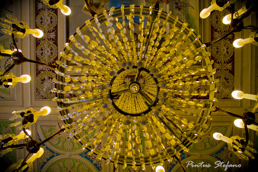 Lampadario antico...... by pintusstefano