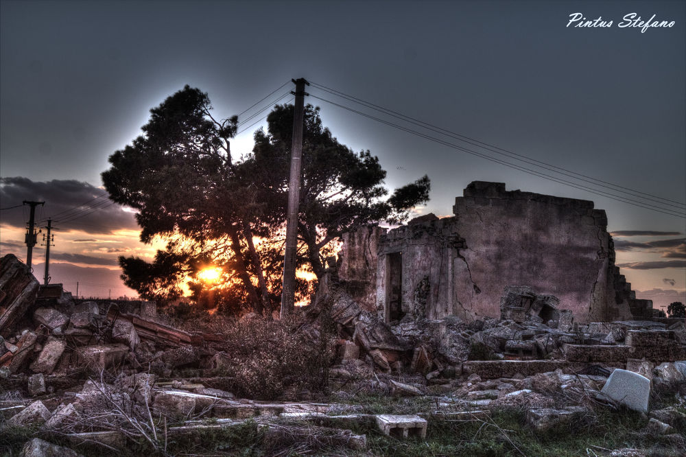 Casa abbandonata  by pintusstefano